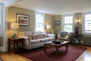 Parsonage Inn, relaxing lounge