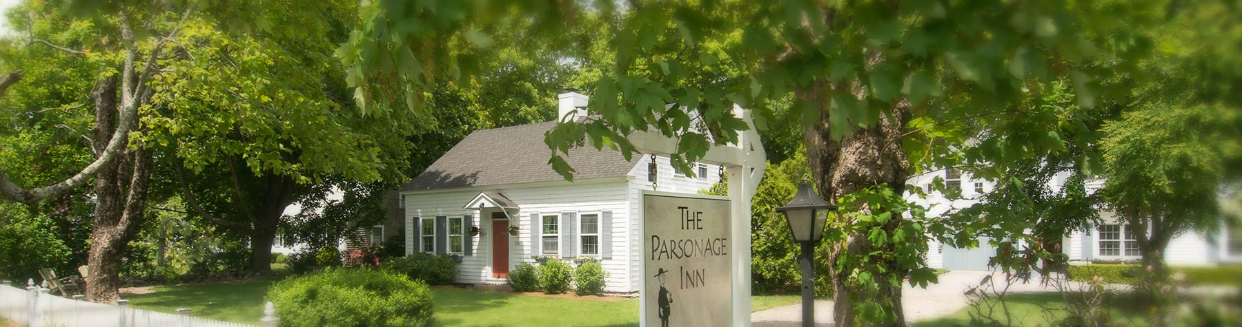 The Parsonage Inn Exterior